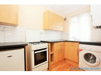 2 bedroom flat in Whitchurch Lane, Edgware, HA8