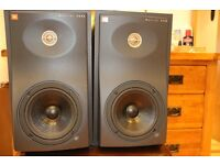 JBL 4206 Studio Monitors / Book shelf speakers - Great nutral sound -Non fatigueing