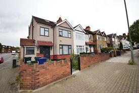 1 bedroom flat in Park Road, Hendon, NW4