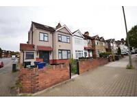 1 bedroom flat in Park Road, Hendon, NW4