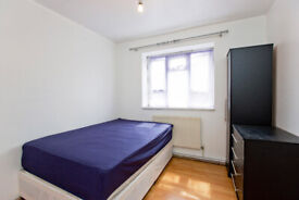 CHEAP DOUBLE ROOM AVILABLE FOR RENT IN BOW ZONE 2 MINUTES AWAY FROM STRATFORD AND CANNERY WHARF