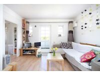 Bright & Airy 2 Bedroom Flat - Communal Gardens - Good Value - Minutes From Clapham Junction SW18