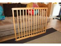 Baby Start stair gate with all fixtures and fittings