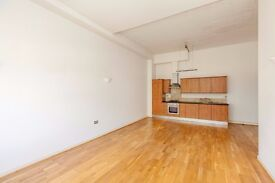 N16 Stoke Newington/Dalston 500pw Large 3 Bedroom Apartment/ Converted Warehouse Close to station