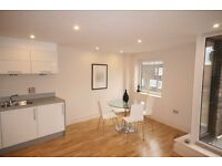 !!!Clapham!!! **3 bedroom apartment with 2 bathrooms **
