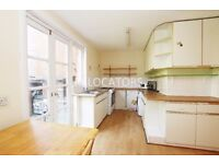 LARGE 5 BEDROOM MAISONETTE WITH A VERY LARGE GARDEN FULLY REDECORATED CLOSE TO MILE END
