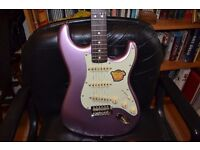 Squire by Fender Classic Vibe '60s Stratocaster - Burgundy Mist