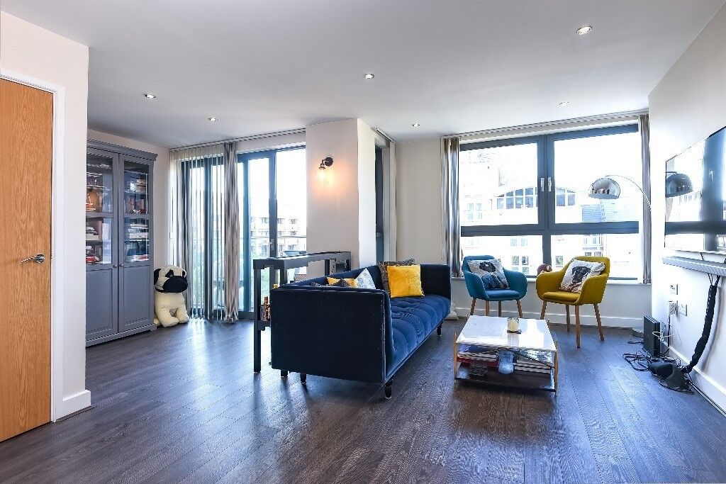 Admirable Toronto House A Spacious And Modern One Bedroom Apartment Moments From Canada Water Station In Canary Wharf London Gumtree Interior Design Ideas Jittwwsoteloinfo