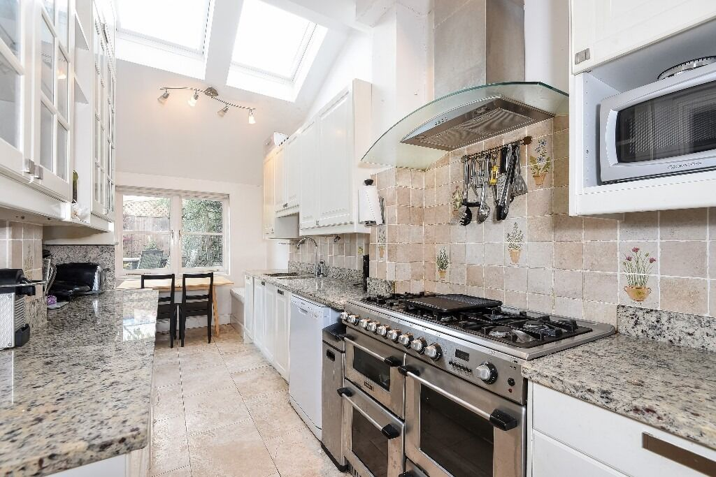 Lovely Four Double Bedroom House, Foulser Road, Tooting Bec SW17, £3000 Per Month