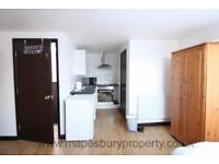 SPACIOUS STUDIO IN CRICKLEWOOD NW2 - AVAILABLE NOW - MUST SEE!