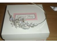 Beautiful bridal sideband with pearls and diamante leaves