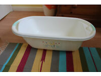 Mothercare white baby bath and top and tail bowl excellent condition