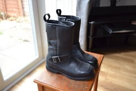 NEW CRUISER STYLE BOOTS SIZE 6