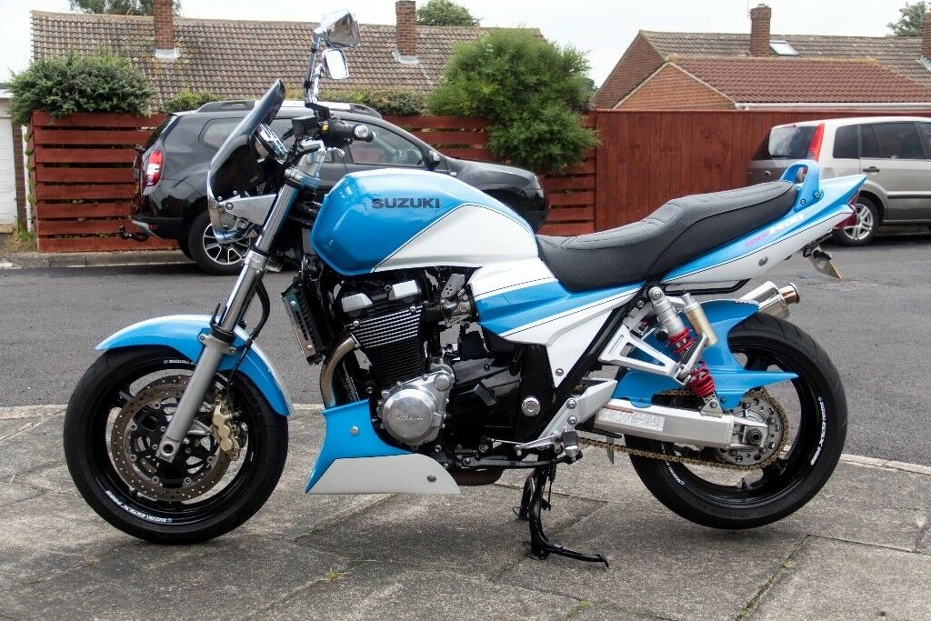 suzuki gsx 1400 yoshimura paintwork and very low miles. Black Bedroom Furniture Sets. Home Design Ideas