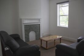 2 Bedroom Flat to rent London Road-NO FEES