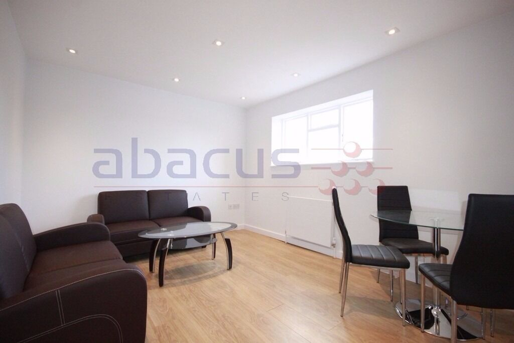 Stunning 2 bed flat on Anson road available now