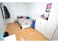 LOVELY 4 BEDROOMS WITH PRIVATE BALCONY & GARDEN, PERFECT FOR GOLDSMITHS STUDENTS CHEAP & CHEERFUL