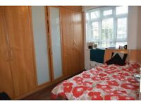 Spacious 1 Bed Flat, Camberwell SE5, Seperate Kitchen/Living Room, Short Walk To Denmark Hil Station
