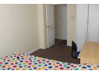 Double Bed Room-Clean & Quite in 2bed house in M16 - near Old Trafford -285 pm-Bills Included