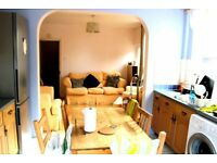 STUDENTS STUDENTS STUDENTS!!! 5 BEDROOM HOUSE 5 MIN AWAY FROM BRUNEL UNI - UB8 - £2550
