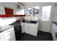 AVAILABLE TODAY ENSUITE ROOM TO LET in Hatfield Town Centre AL10. Gas, Furnished, D/G, shower