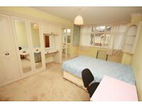 Very Well Presented Spacious Double Room in Shared House Ideal For Professionals East Acton W3