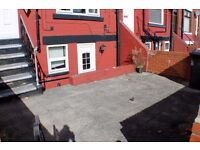 Two-Bedroomed Terrace- Longroyd Cresecent, LS11, LHA ACCEPTED!!