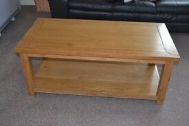 NATURAL SOLID OAK COFFEE TABLE