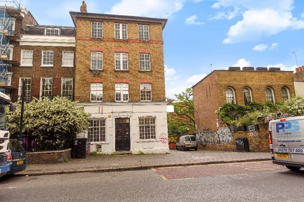 Two bedroom apartment to rent - Hackney Road