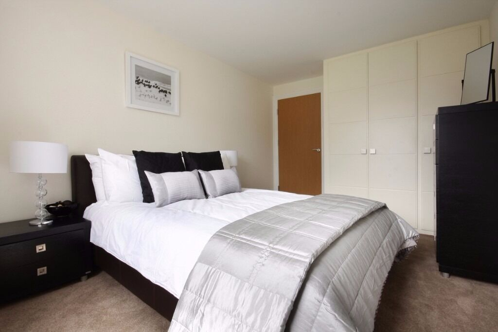 **Stylish 2 bedroom in Bracknell with maid service,