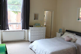 AMAZING 1 BEDROOM FLAT NEAR KENSINGTON OLYMPIA