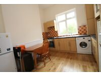 3 bedroom three storey split level house located in Islington N1! Moments from Caledonian Station