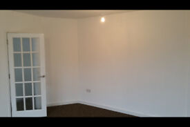3 bedroom SM5, DSS Welcome , Garden!