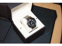 Like new - Beautiful Huawei W1 Stainless Steel Classic Smartwatch with Steel Mesh Strap