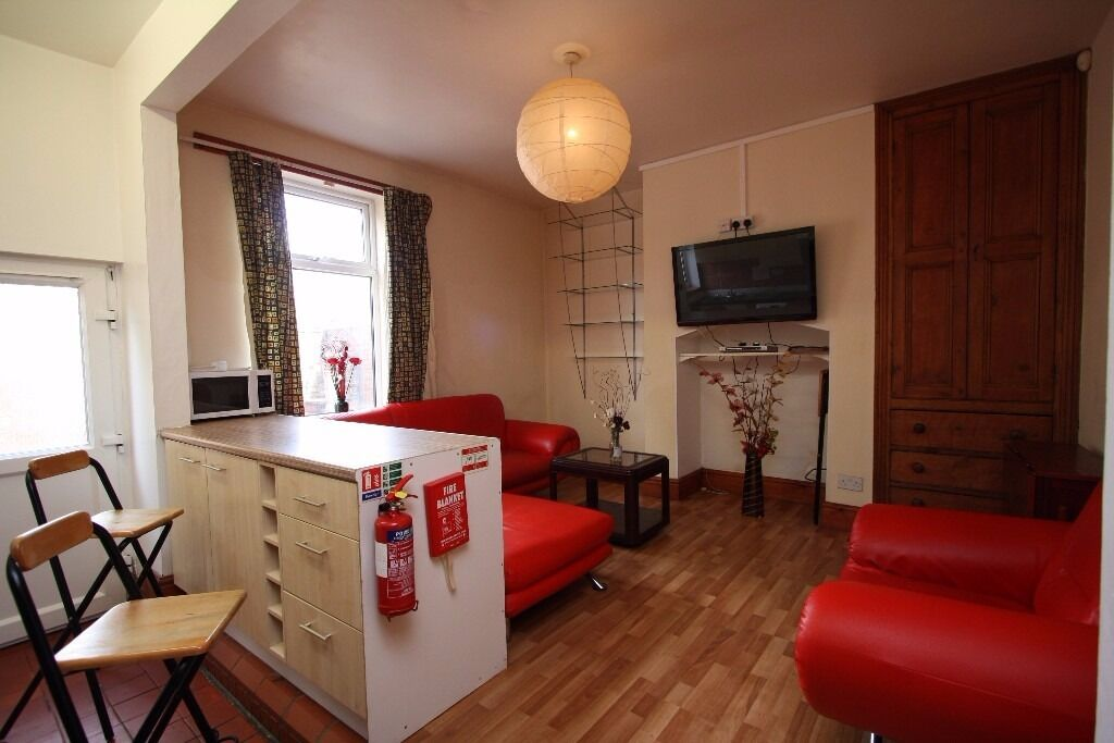 £92pppw Amazing 5 Double Bedroom Shared House + 1/2 Rent July 2017 !!NO AGENCY FEES!!