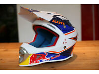 Red Bull 2017 Kini competition motorbike helmet / motocross / mx. Excellent condition