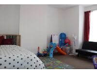 2/3 bed garden flat / minutes from Leyton Midlands Overground station Call Robert now on 02037731221
