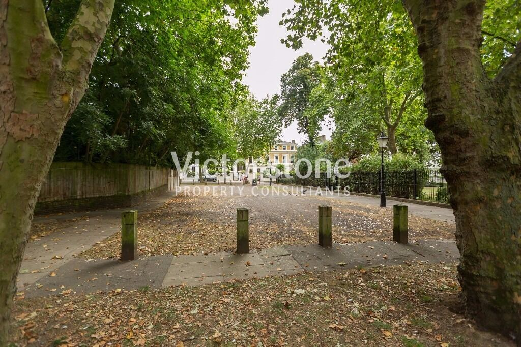 ***AVAILABLE IN AUGUST*** SPACIOUS THREE DOUBLE BEDROOM FLAT IN CAMDEN TOWN