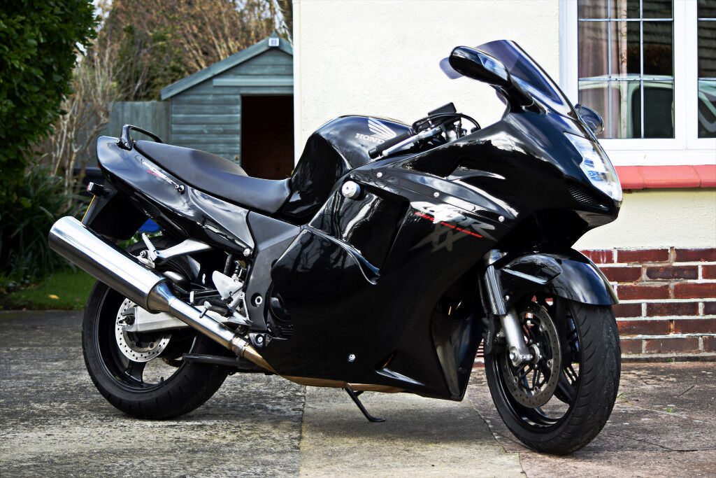 1998 honda cbr 1100 xx super blackbird in sidmouth devon gumtree. Black Bedroom Furniture Sets. Home Design Ideas