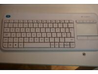 Logitech K400 Plus wireless keyboard White Brand hardly used