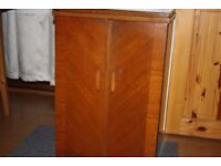 ART DECO CABINET CONTAINING SINGER VINTAGE SEWING MACHINE - FULL WORKING ORDER - SPACE SAVING XMAS