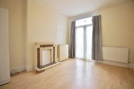 ***SPACIOUS MODERN 5/6 BEDROOM HOUSE WITH A PRIVATE GARDEN IN SEVEN SISTERS***