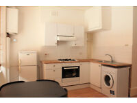 Beautiful Apartment with double bedroom, 3 piece bathroom suite with power shower in Islington N7