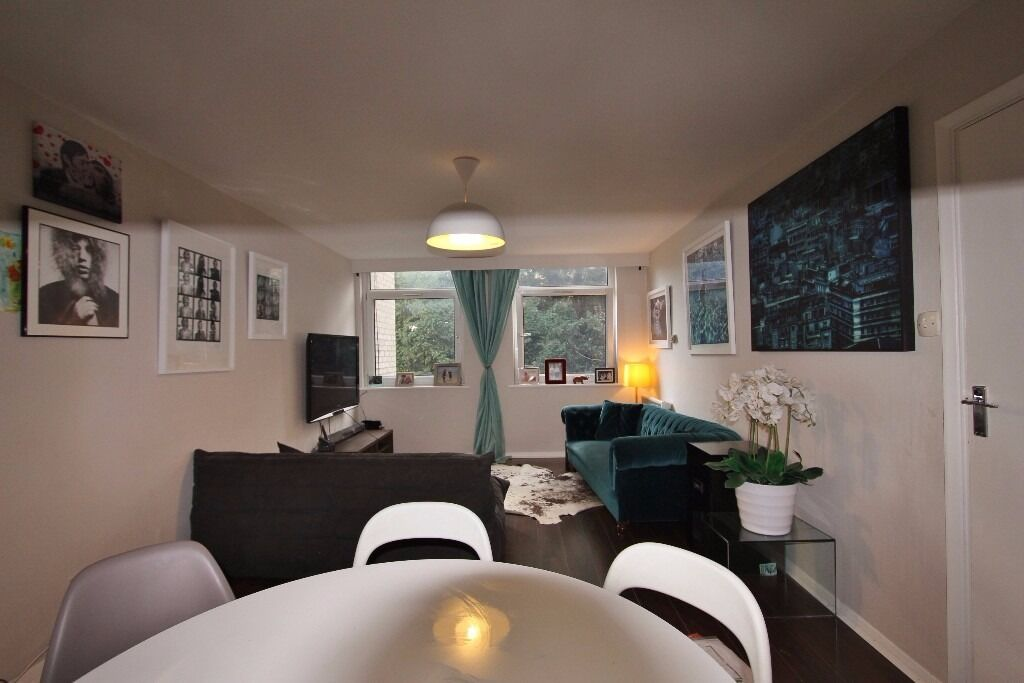 2 bed flat, 1st floor (not far from Highgate & Archway Tubes). Available Now - Unfurnished