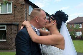fully qualified wedding photographer