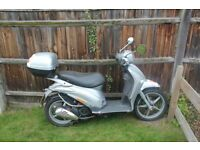 Low Mileage Silver Piaggio Liberty 125 Scooter with Top Box