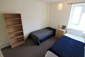Room for 2 Friends in Camden Town!!