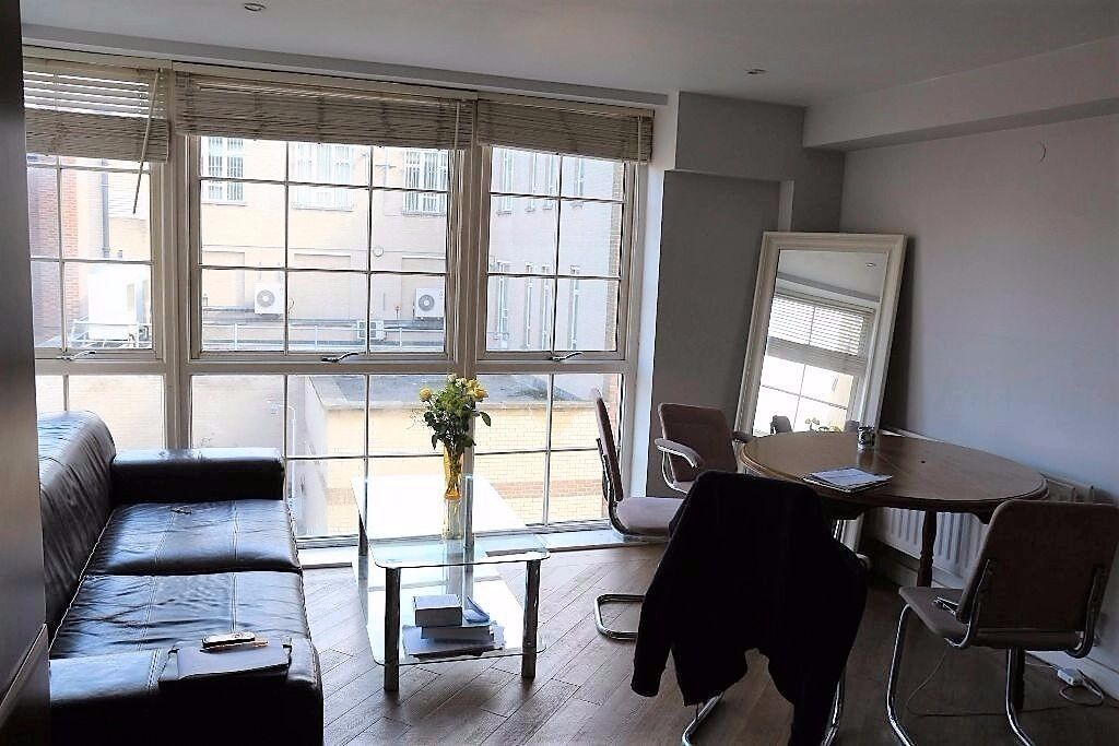 2 BED MODERN APARTMENT IN ROMFORD. 5 MINS WALK TO THE ROMFORD STATION. £1050PCM