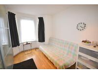 LARGE DOUBLE ROOM WITH EN-SUITE SHOWER CLOSE TO WEST EALING STATION