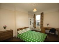 Very Nice & Large Double for Couples in 5 Bed house